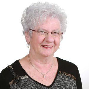 Mme Madeleine Camirand